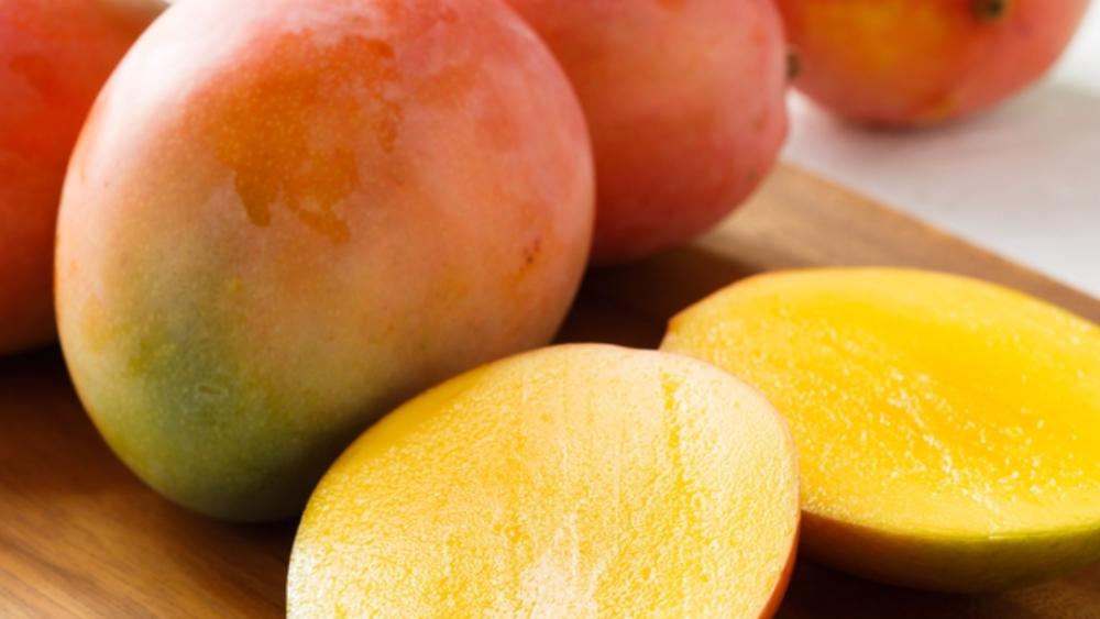 spring fruit mangoes